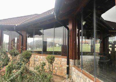 Panoramske staklene klizne stijene, Hotel Degenija, Rakovica